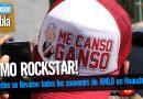 Asistentes se llevaron todos los souvenirs de AMLO en Huauchinango Puebla